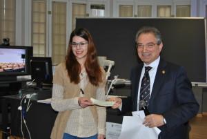 premiazione studentessa università insubria